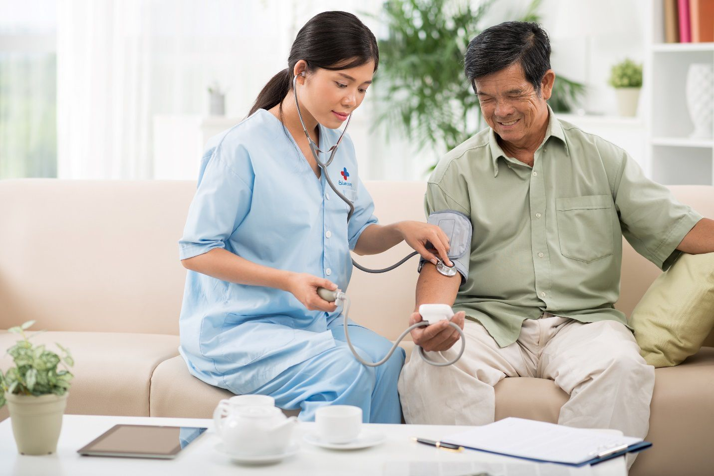 Thăm khám thường xuyên cần thiết cho việc kiểm soát bệnh tiểu đường