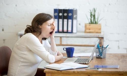 Thường xuyên mệt mỏi là dấu hiệu đầu tiên của bệnh tiểu đường