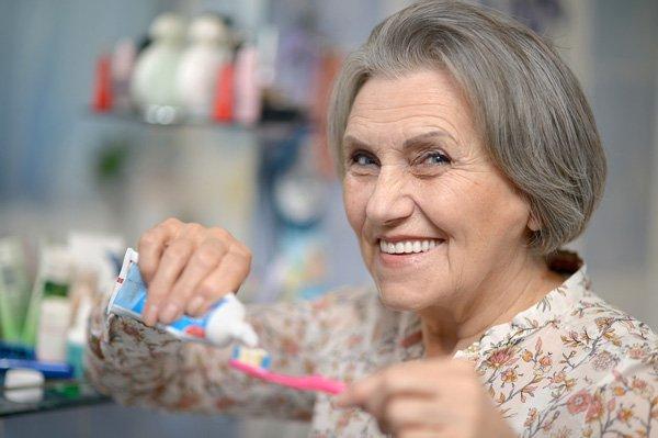 Chăm sóc răng miệng bệnh nhân tiểu đường không đúng cách có thể dẫn tới biến chứng nguy hiểm ở người Đái tháo đường