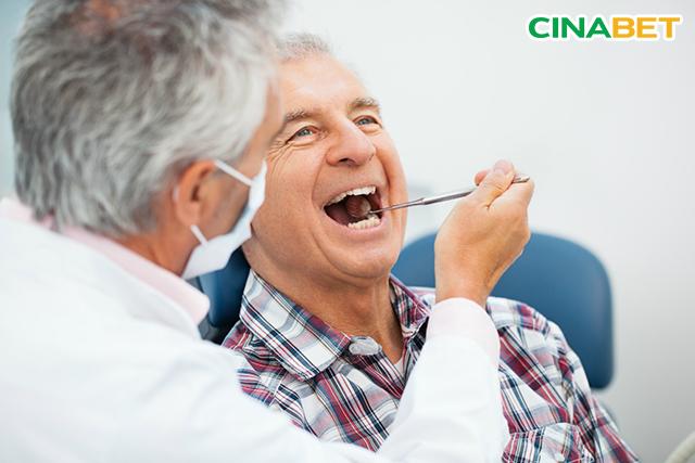 Kiểm tra sức khỏe răng miệng ít nhất 2 lần mỗi năm với bệnh nhân Tiểu đường