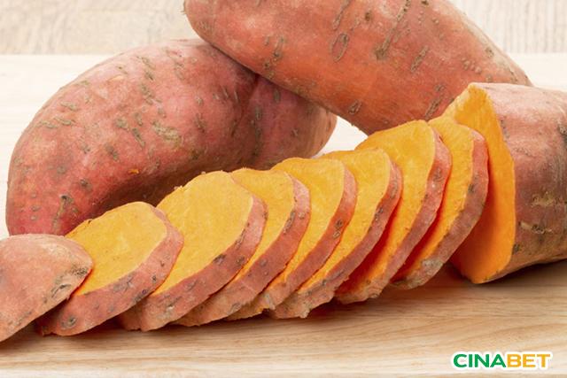 Chỉ nên ăn ngay khoai lang mật không nên kết hợp với loại thực phẩm chứa tinh bột khác
