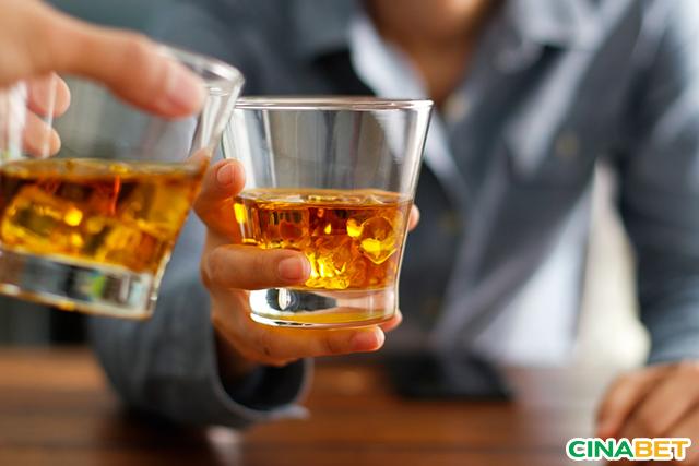 Rượu có thể gây hạ đường huyết đột ngột