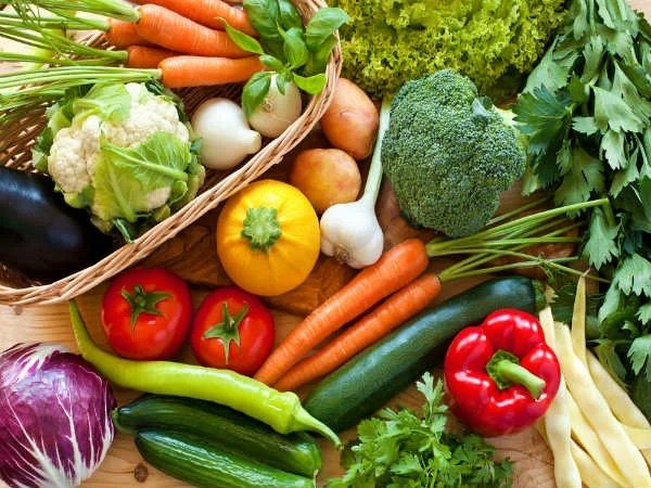 Rau xanh chính là nguồn thực phẩm rất tốt cho người bệnh mỡ máu cao