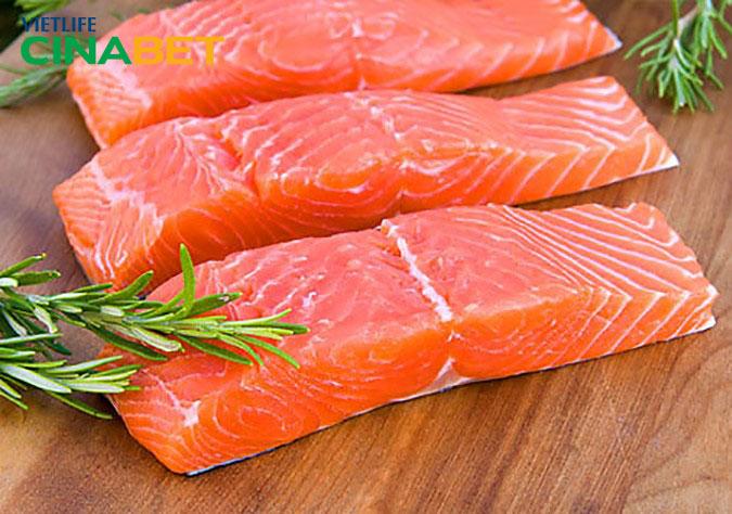 Cá hồi rất tốt cho người máu nhiễm mỡ