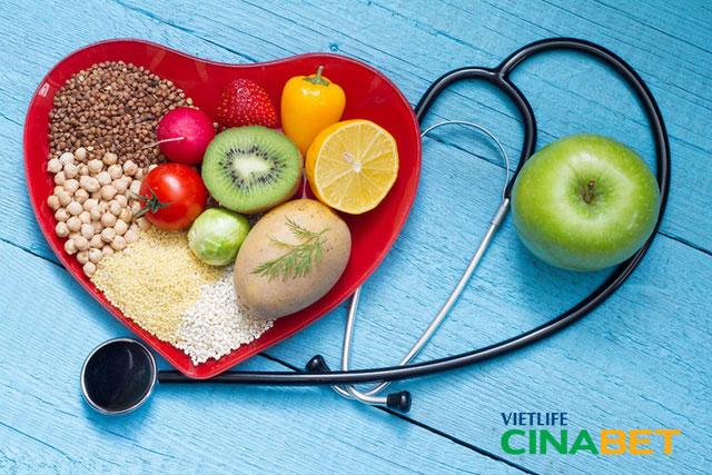 Ăn nhiều rau xanh, hoa quả là cách giảm Cholesterol trong máu
